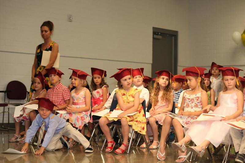 2012May18_MTA Kinder Grad_9760.JPG