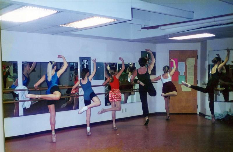 Dance_2285_a.jpg