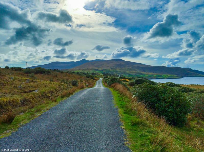 Driving-the-wild-atlantic-way-ireland-4.jpg