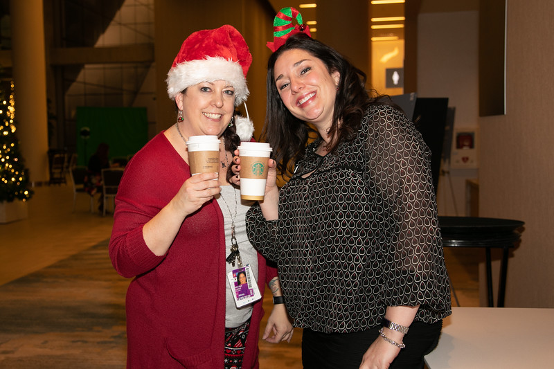 121819_EmployeeParty-009.jpg