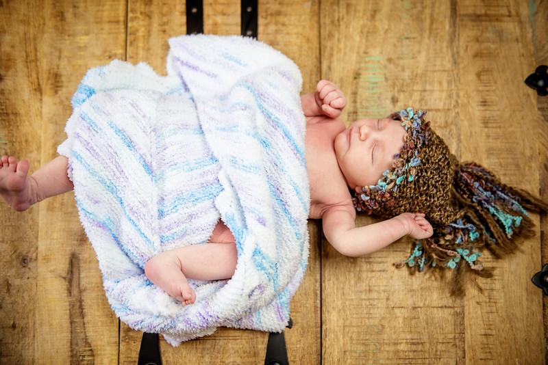 Erica-Agostinelli-newborn-_7507938.jpg