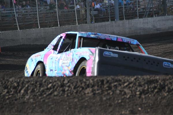 Benton County Speedway in Vinton, Iowa, season championship race