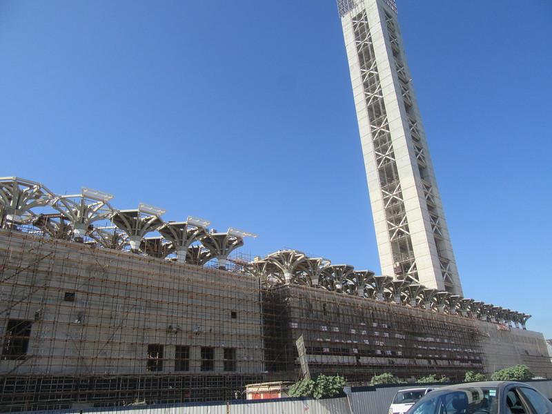 016_Alger. À Mohammadia, la 3e plus grande mosquée du monde. 40,000 fidèles. Minaret haut de 300m..JPG