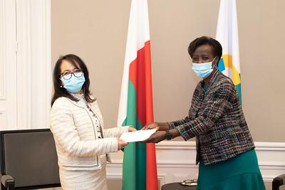 SEMme Yvette SYLLA - Ambassadeur de Madagascar - Paris