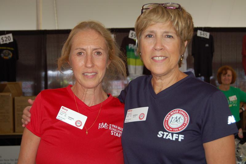 Sun-Wellesley-Volunteers-Marys2-CK0101.jpg