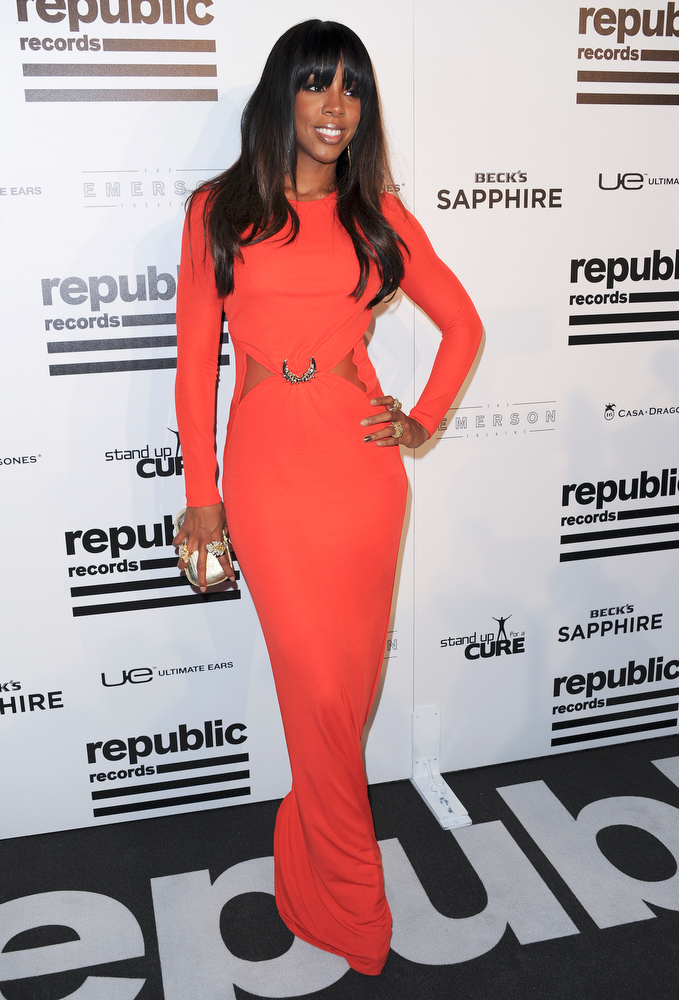 Description of . Kelly Rowland arrives at the Republic Records Post Grammy Party at The Emerson Theatre, Sunday, Feb. 10, 2013, in Los Angeles. (Photo by Richard Shotwell/Invision/AP)