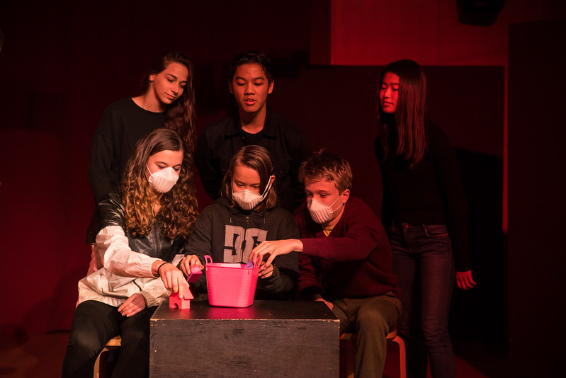 YIS Drama Production - Too much light-9993.jpg