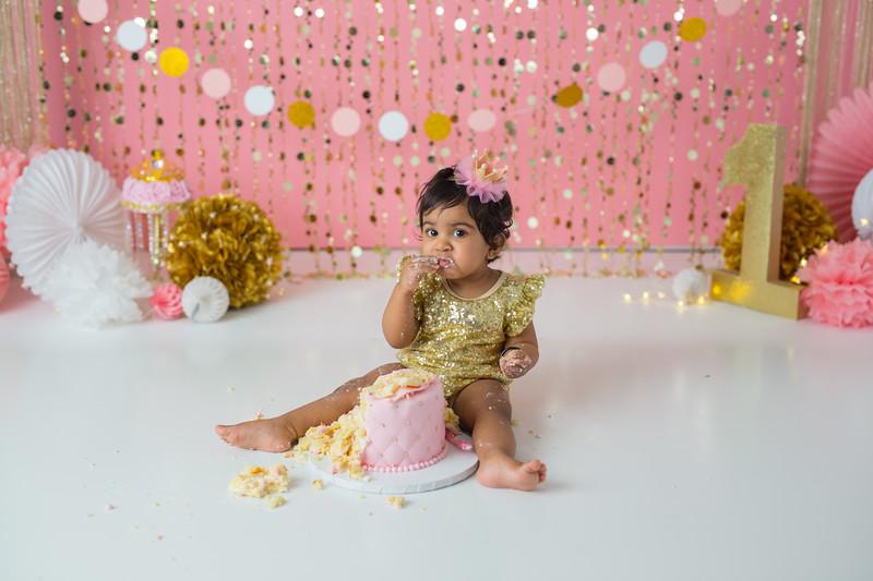 Ameera Cake Smash-48.jpg