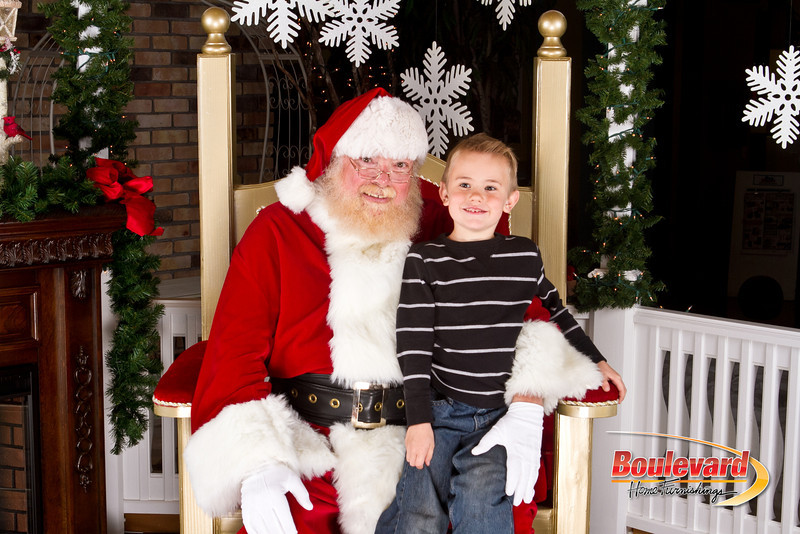 Santa Dec 8-153.jpg