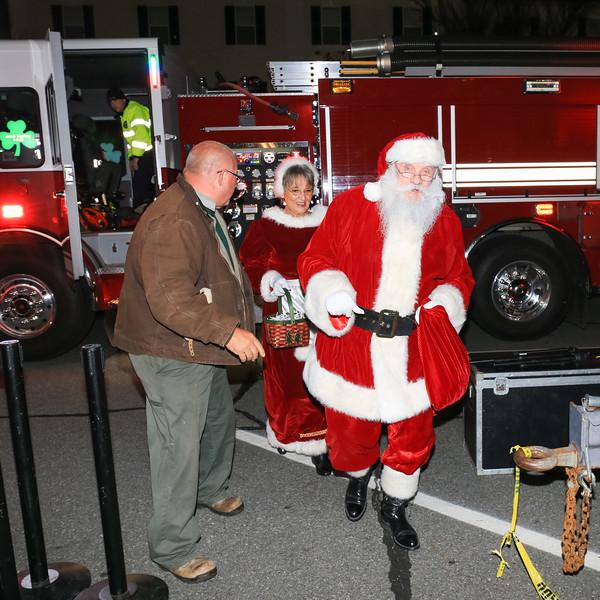 2014 Dec - Harrisburg Christmas Tree Lighting-0077.jpg