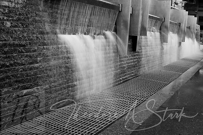 Riverfront Park Fountain - BW