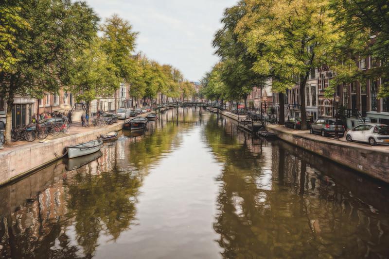 amsterdam river glow 2.jpg