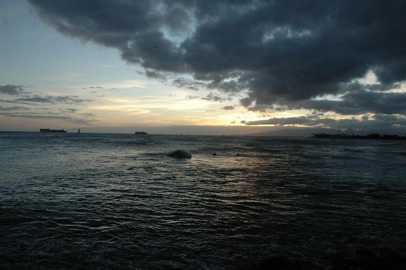 Hawaii - Ala Moana Beach Sunset-88.JPG