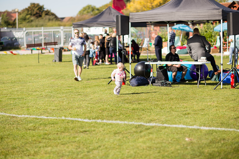 bensavellphotography_lloyds_clinical_homecare_family_fun_day_event_photography (47 of 405).jpg