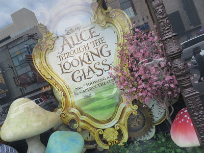 El Capitan Theatre - Alice Through the Looking Glass (2016)