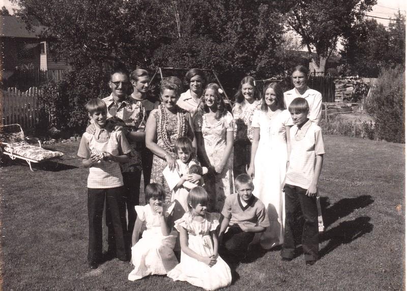 4.5 Betsy 25 anniv family photo.jpg