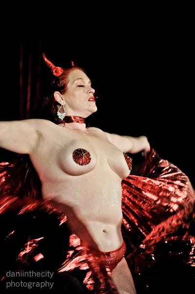 Burlesque (12 of 88).jpg