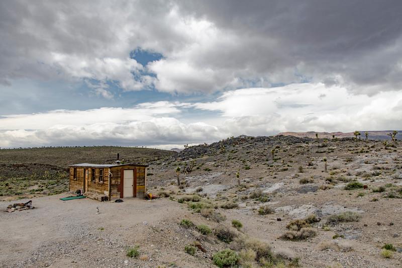Boxcar-cabin-Death-Valley-April2017.jpg
