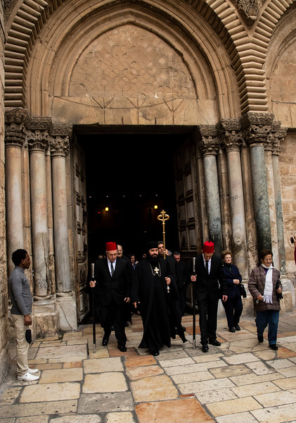 סיריאנים ביציאה מהקבר.jpg