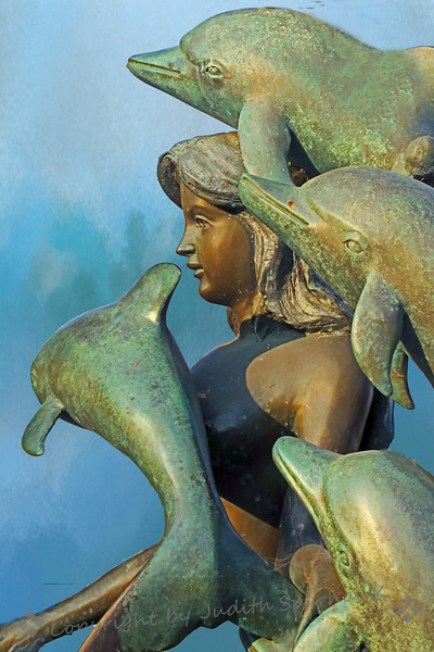 Mermaid sculpture close.jpg