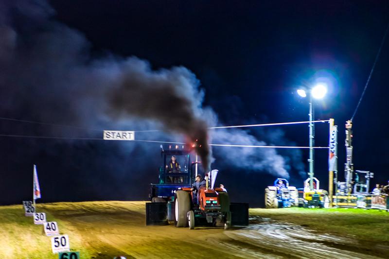 Tractor Pulling 2015-01828.jpg