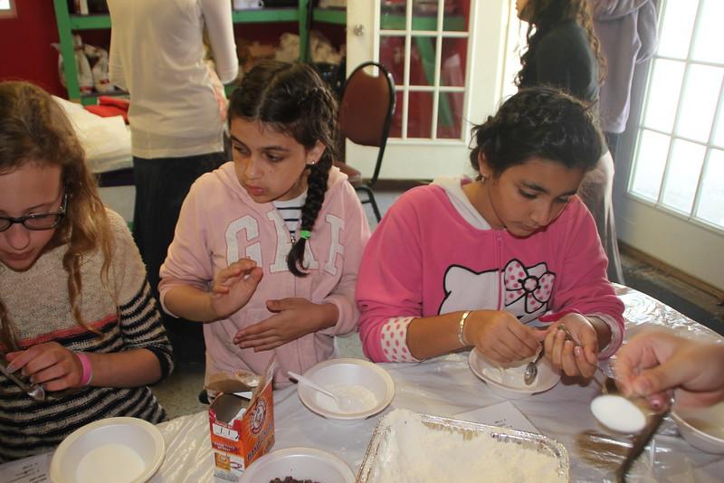 kars4kids_thezone_camp_GirlDivsion_workshops_CulinaryArts (53).JPG