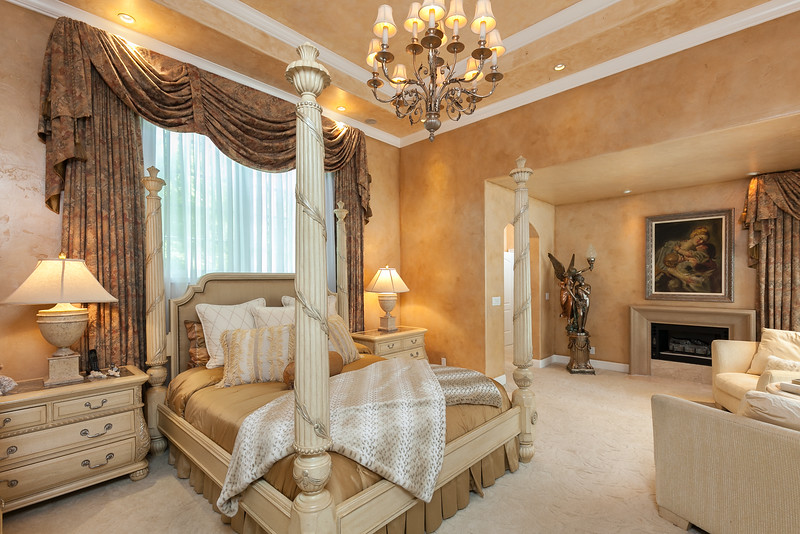 Chico-Interiors-Photography-luxurious-bedroom-in-chico-mansion.jpg