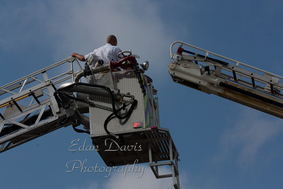 09-10-2011, Seabrook Fire Co. Housing Ladder 32-16, / Sept. 11 Ceremony