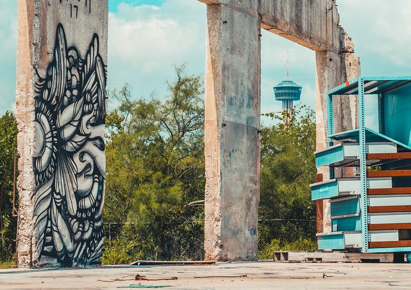 Los otros mural and tower.jpg