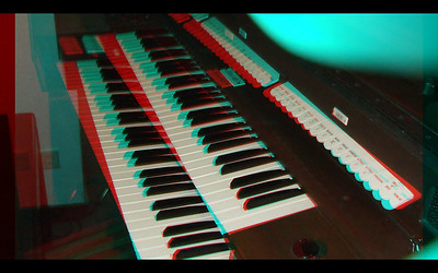 Anaglyph Photographs of Music Instruments