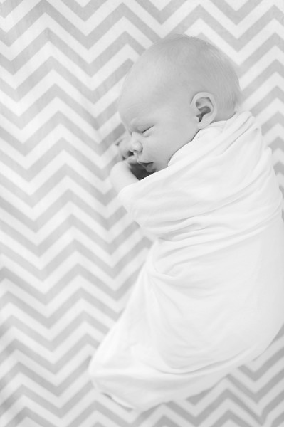 Aiden McFarland Newborn ~ 8.2014-254.jpg