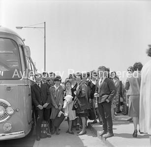 Quarrendon pupils off to Austria, June 1963