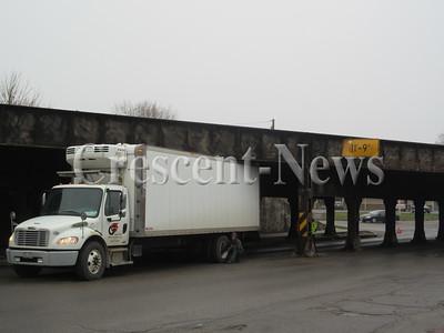 04-08-15 news truck stuck