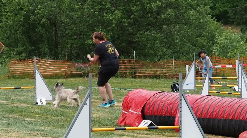 Jumping Manon Garnie