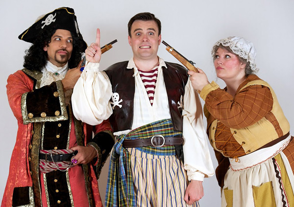 david-wannen-as-the-pirate-king-daniel-greenwood-as-frederic-and-angela-smith-as-ruth.jpg