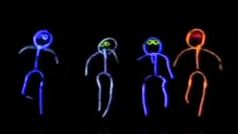 2012-NiwotTalentShow-GlowSticks