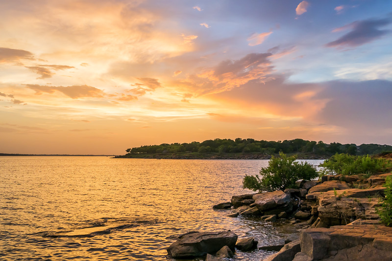colorful-sunset-grapevine-lake-texas.jpg