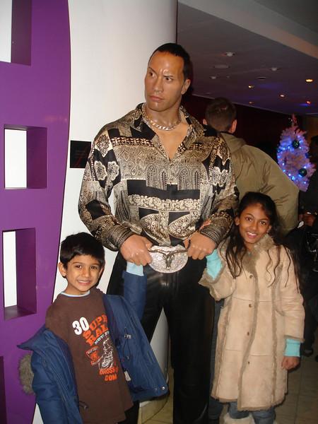 swati and kids in London 2008 151.JPG