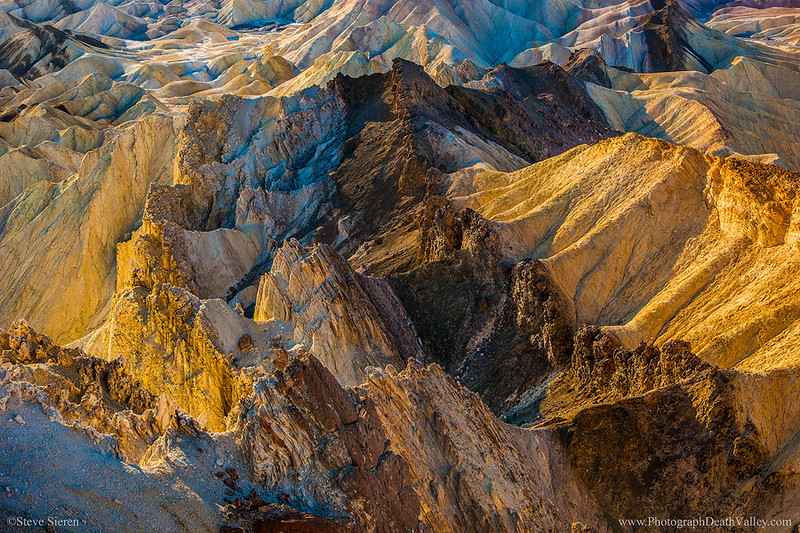 Death_Valley_Badlands_Unique_View.jpg