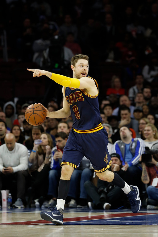 . Cleveland Cavaliers\' Matthew Dellavedova in action during an NBA basketball game against the Philadelphia 76ers, Sunday, Jan. 10, 2016, in Philadelphia. (AP Photo/Matt Slocum)