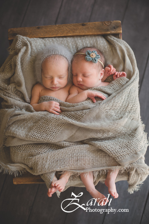 Twins#2-4945