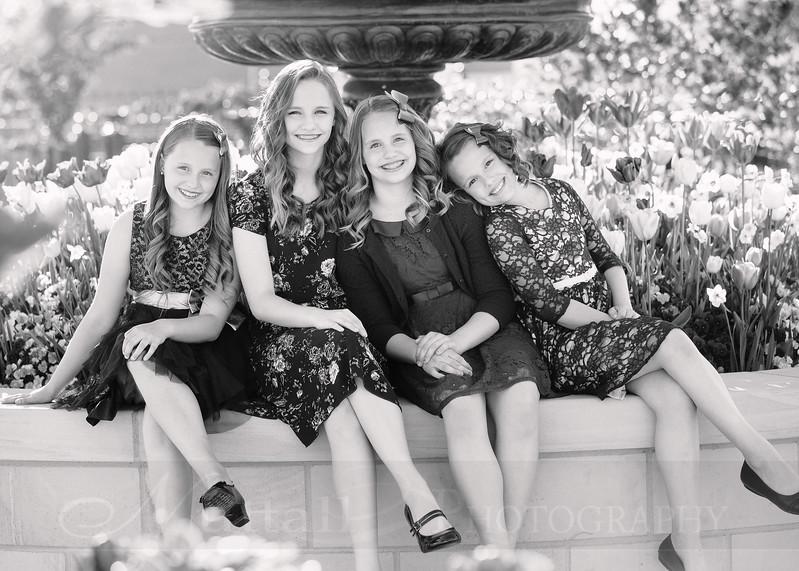 Hirschi Girls 009bw.jpg