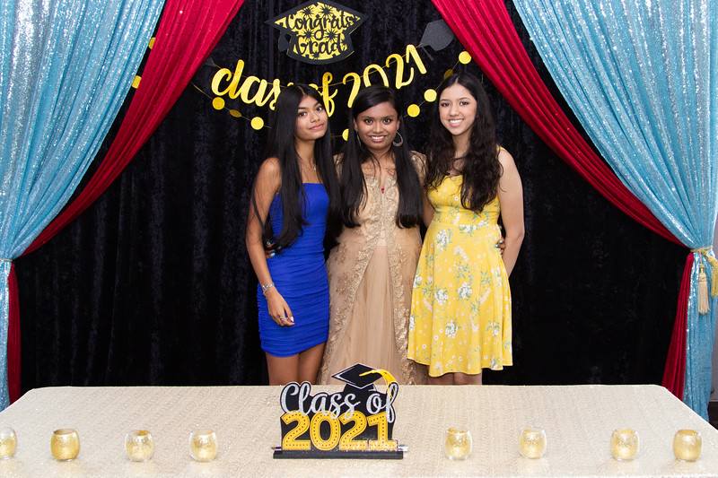 2021 06 Arushi Graduation Party 011.jpg