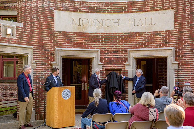 RHIT_Homecoming_2017_Moench_Bust_Dedication-21901.jpg