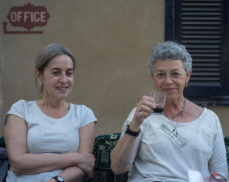 Celia y Pia en el hoter Marsam, cuartel general de la expedición Djehuti