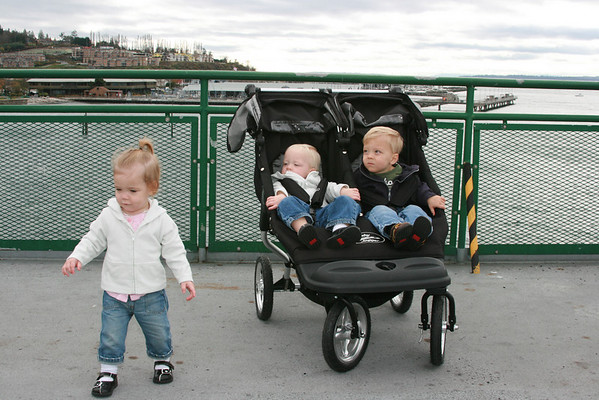 Aaron, Kaitlyn and Hannah - November 2007