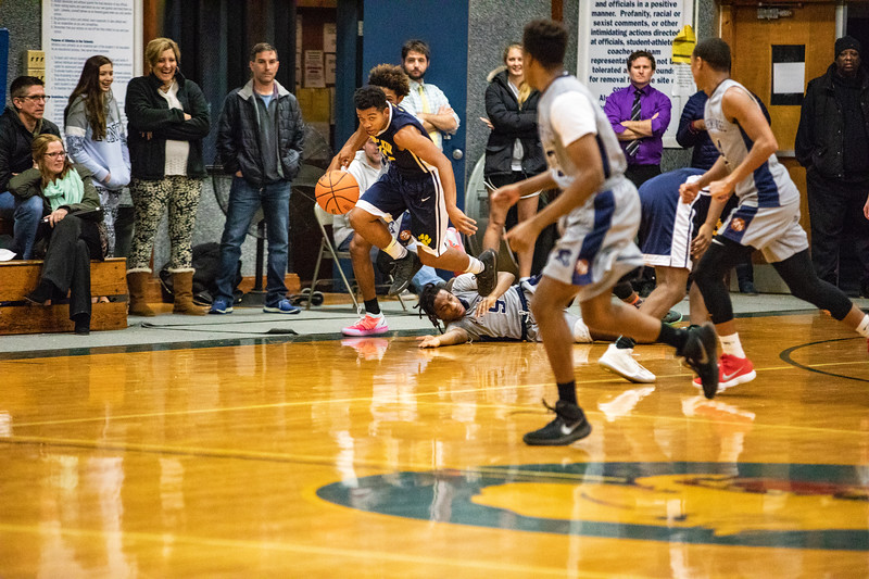 18_BBball_st-thomas-6-2.jpg