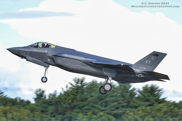 Thunder over New Hampshire arrivals and practice show 2021