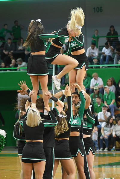 cheerleaders0686.jpg