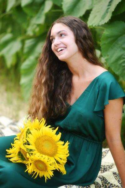Graycen Sunflower Mini 2021